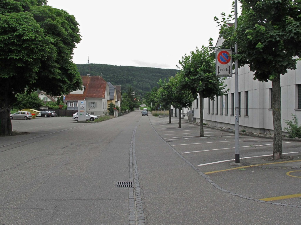 B-13-3-Is-the-street-an-empty-parking-space